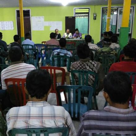 Rapat Koordinasi Linmas Desa Balongbesuk