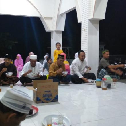 Tarwih Keliling Masjid Al Mubarokah
