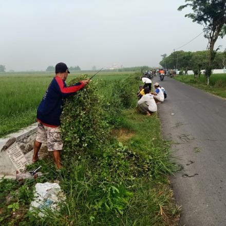 Gugur Gunung Dusun Balongbesuk